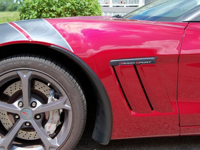 Cool DIY Mod: Paint Your Corvette Grand Sport Emblems