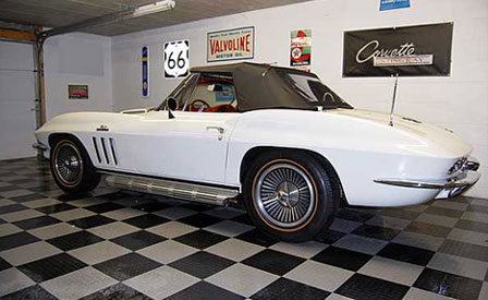 Bloomington 2009:  1966 Corvette Convertible Sells for $83,500