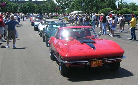 L88 Corvettes on Parade at Bloomington