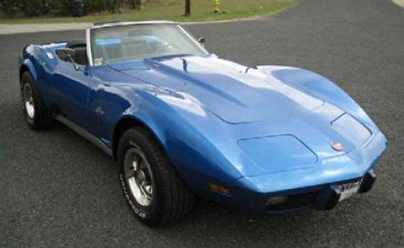 Thieves Steal a Blue 1975 Corvette in Florida Heist
