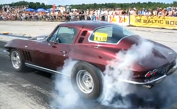 Monday Morning Burnout: 1965 Corvette Coupe at the Strip