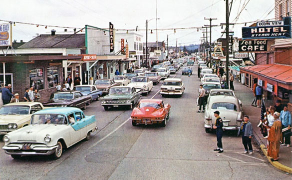 [PIC] Corvette is Main Attraction in Long Beach, Washington Circa 1964