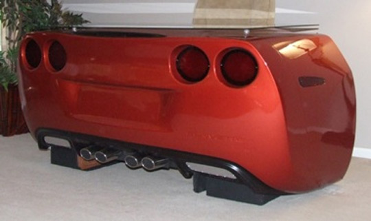 Corvette Desks Provide Work Spaces For Well Heeled
