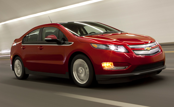 If Your Chevy Volt Scares You, GM will Loan You a Corvette