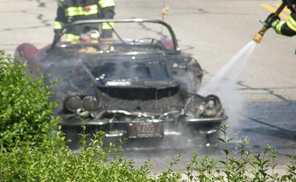 [ACCIDENT] 1960 Corvette Goes Up in Flames in Massachusetts