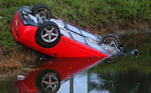 [ACCIDENT] Hertz Corvette Rental Ends up In South Florida Canal