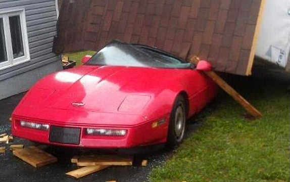 [PIC] Hurricane Leslie Drops a Shed on a C4 Corvette