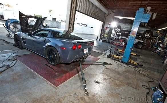 Edmunds Dyno Tests the 2012 Corvette ZR1 and the 2013 SRT Viper GTS