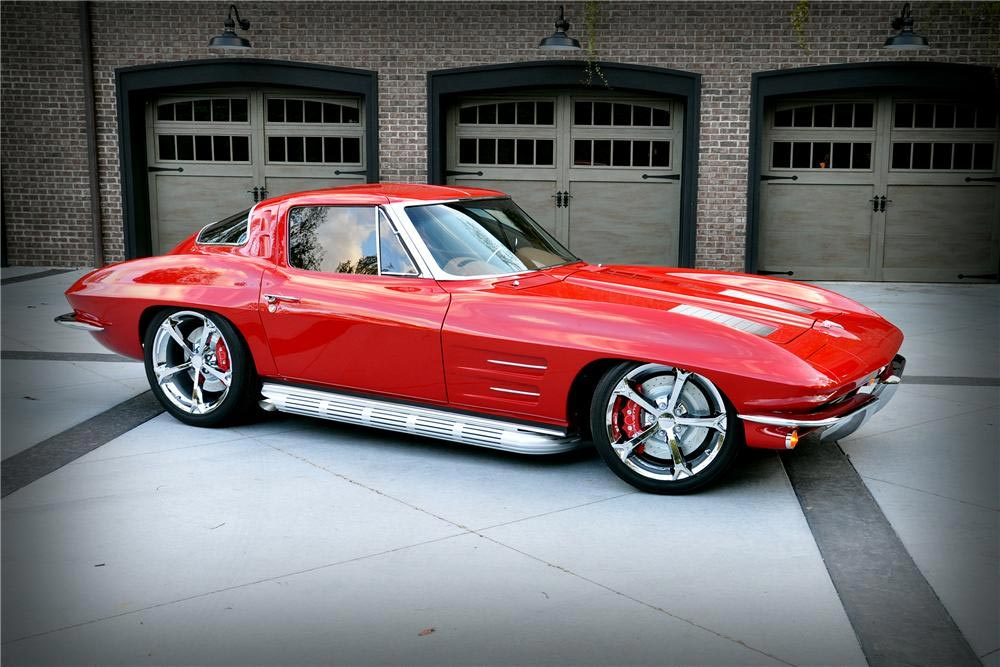 The top 10 corvette sales of barrett jackson 39 s 2013 for 1967 corvette stingray split window