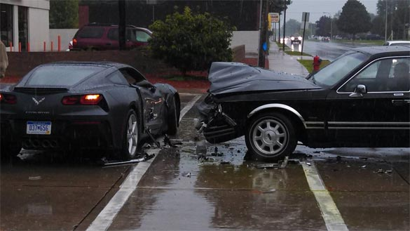 [ACCIDENT] 2014 Corvette Stingray Hit By A Lincoln Town Car