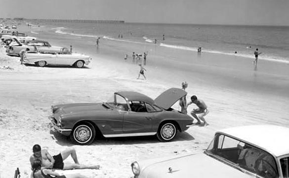 [PIC] Throwback Thursday: At the Beach in a C1 Corvette