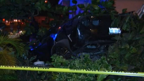 [ACCIDENT] Stolen C4 Corvette Goes Airborne and Hits a House in Miami