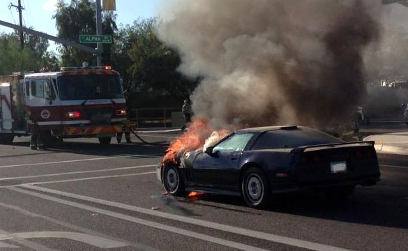 [ACCIDENT] Fire Breaks Out in a 1986 Corvette in Arizona