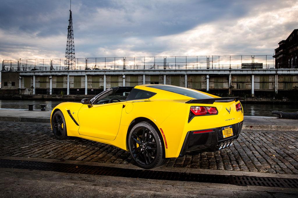 automobile magazine names 2014 corvette stingray its car of the year corvette sales news. Black Bedroom Furniture Sets. Home Design Ideas