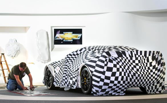 [PIC] 2015 Corvette Z06 Prepares for Unveiling at NAIAS