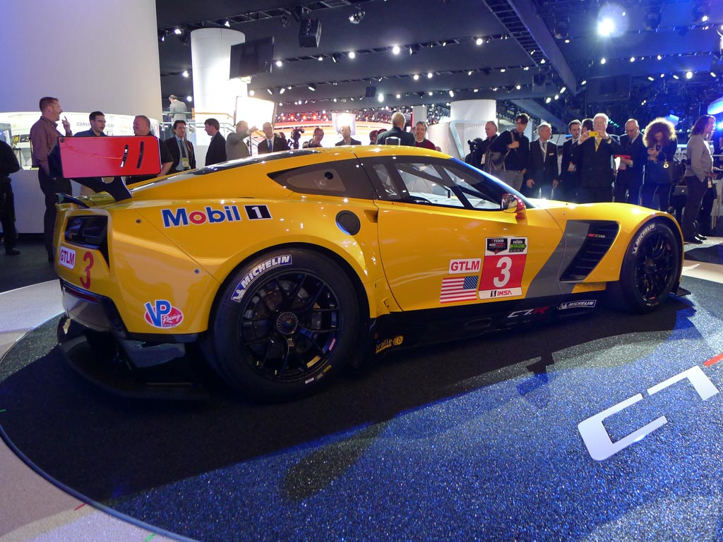 PICS] The Corvette C7.R Racecar on the Floor at NAIAS