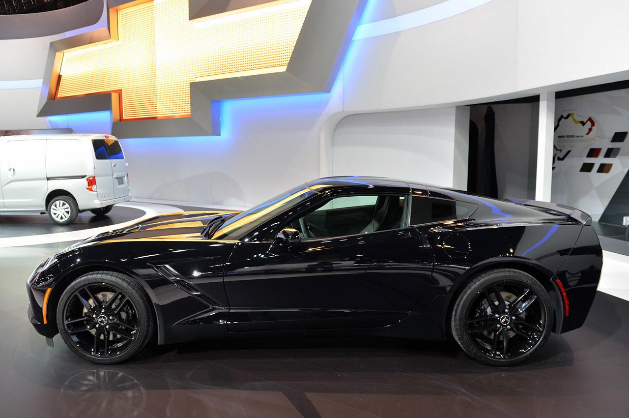 [PICS] Black Widow's Corvette Stingray at the Chicago Auto Show - Corvette: Sales, News & Lifestyle