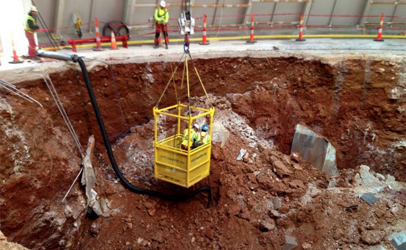 Workers Find the 1.5 Millionth Corvette in the Corvette Museum Sinkhole