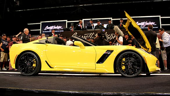 [VIDEO] First Retail 2015 Corvette Z06 Coupe Auctioned at Barrett-Jackson Palm Beach for $1 Million