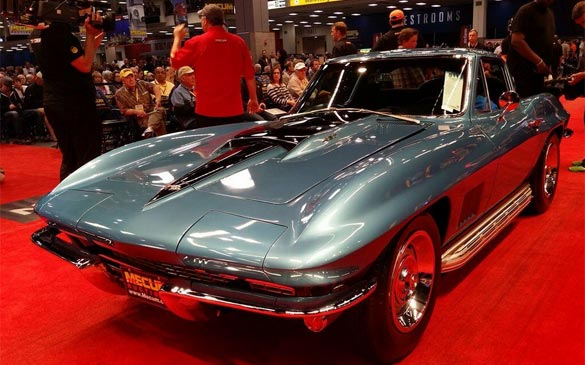 The Bid Goes On for the Featured Corvettes at Mecum's Seattle Auction