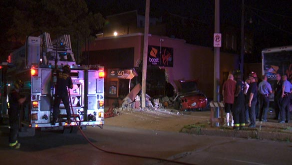 A Stolen C6 Corvette Crashes Into a Cell Phone Store in St.Louis