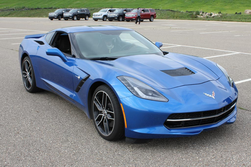 pics 2015 corvette stingray in shark gray corvette sales news lifestyle. Black Bedroom Furniture Sets. Home Design Ideas