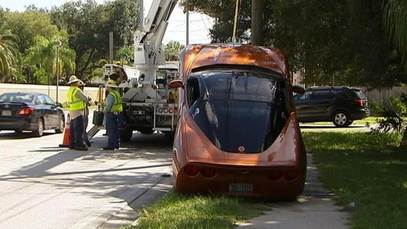 [ACCIDENT] C6 Corvette Walks a Tight Rope in Tampa