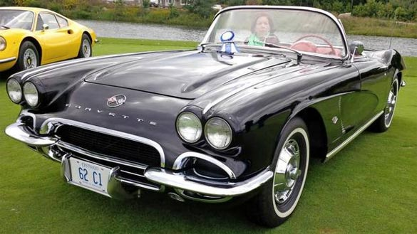 This 1962 Corvette Earns a Blue Ribbon Despite Squirting a Judge with Washer Fluid