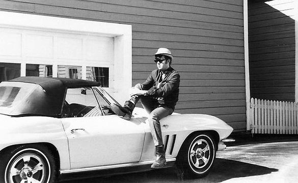 [PIC] Throwback Thursday: A Corvette Selfie Taken in 1968