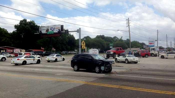 [ACCIDENT] C3 Corvette Gets Hit Head On in 3-Car Crash in Jacksonville