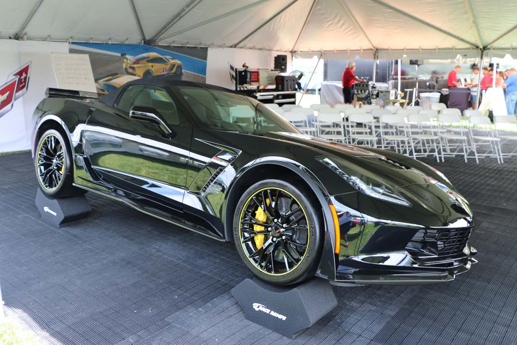 the 2016 corvette z06 c7r edition convertible in black breaks cover at bloomington gold - 2015 Corvette Stingray Convertible Green