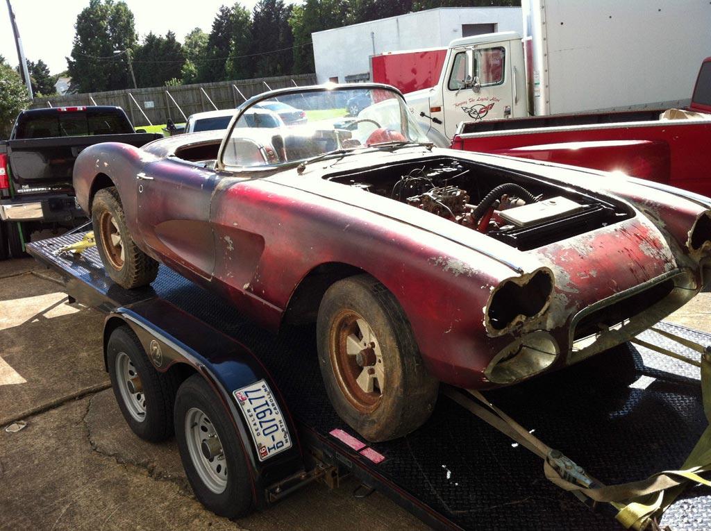 Corvettes on eBay: Barn Find 1960 Corvette Would Make a Great ...