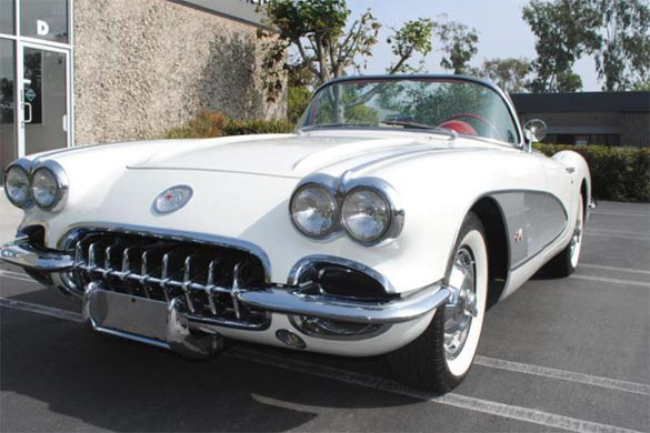 Lot 680 - 1960 CHEVROLET CORVETTE 283/230 CONVERTIBLE