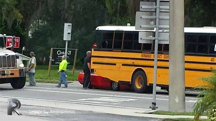 [ACCIDENT] Corvette Driver Nearly Looses Head in Crash Under Florida School Bus