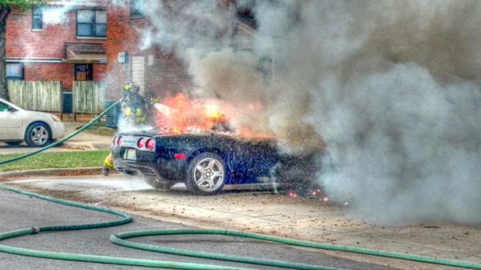 [ACCIDENT] Firefighters Respond to C5 Corvette Fire in Alabama