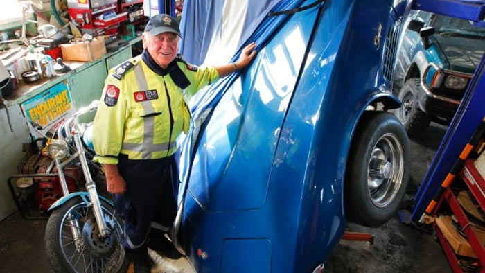 [PICS] New Zealand Earthquake Shakes a 1972 Corvette Off Its Lift
