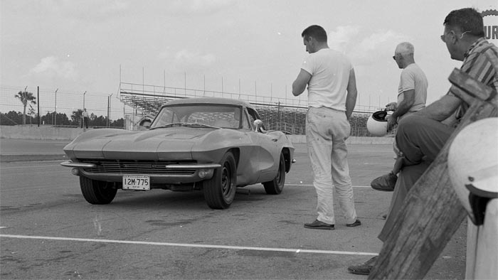 [PIC] Throwback Thursday: Testing a 1963 Corvette Z06 Prototype at Sebring