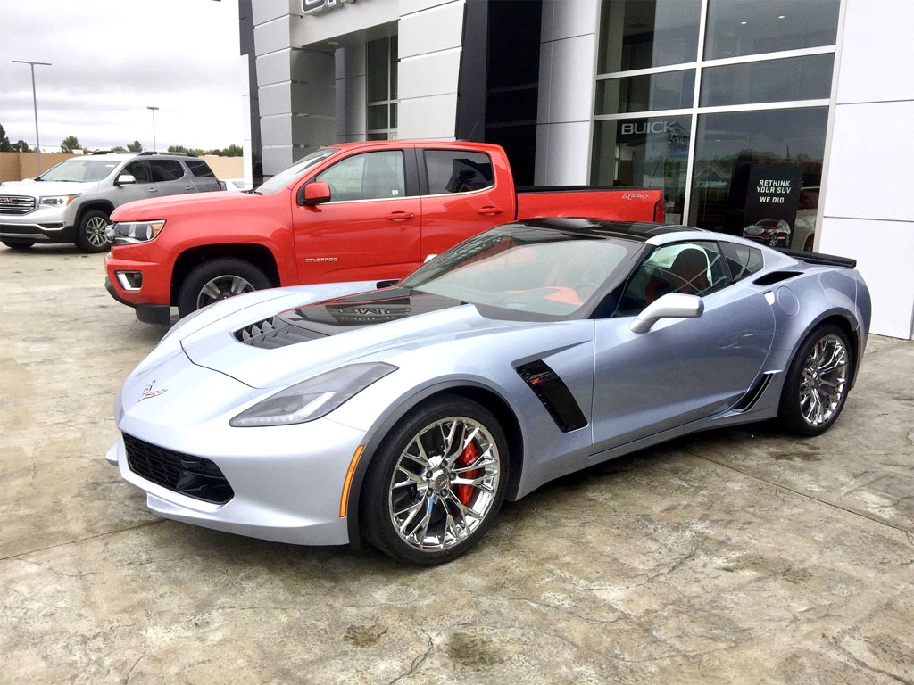 National Corvette Museum >> Sterling Blue Exterior Color Will End Production in March 2017 - Corvette: Sales, News & Lifestyle