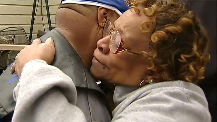 Dallas Corvette Club Steps Up to Help Elderly Scam Victim