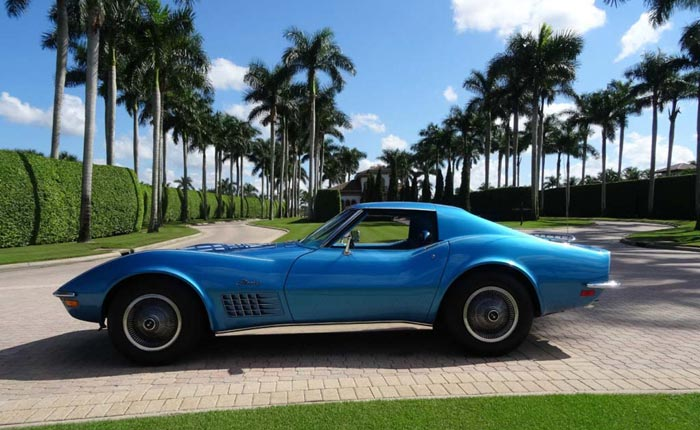 [GALLERY] Blue Monday (37 Corvette Photos)