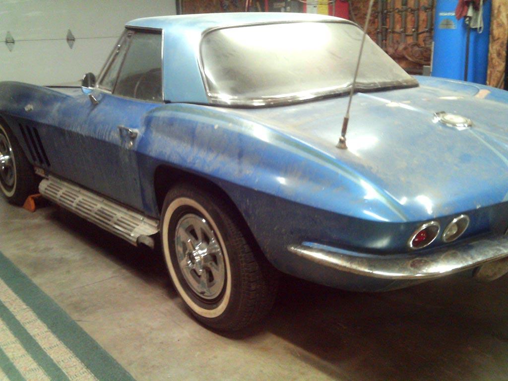 Corvettes on eBay: Barn Find 1965 Corvette Convertible - Corvette