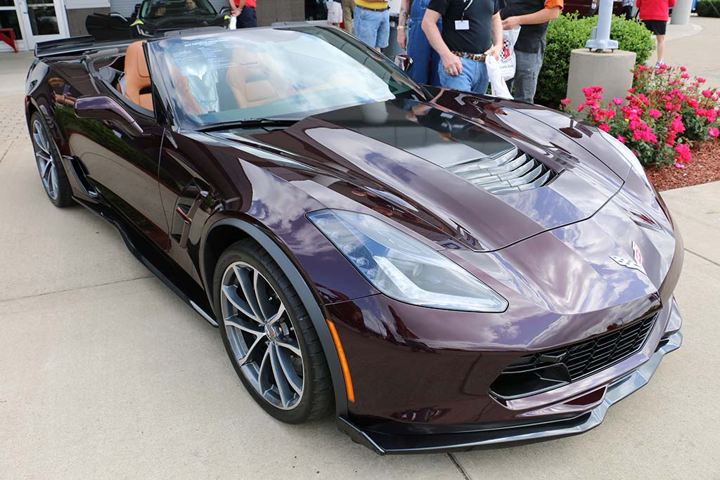 Pics 2017 Corvette Grand Sport Convertible In Black Rose