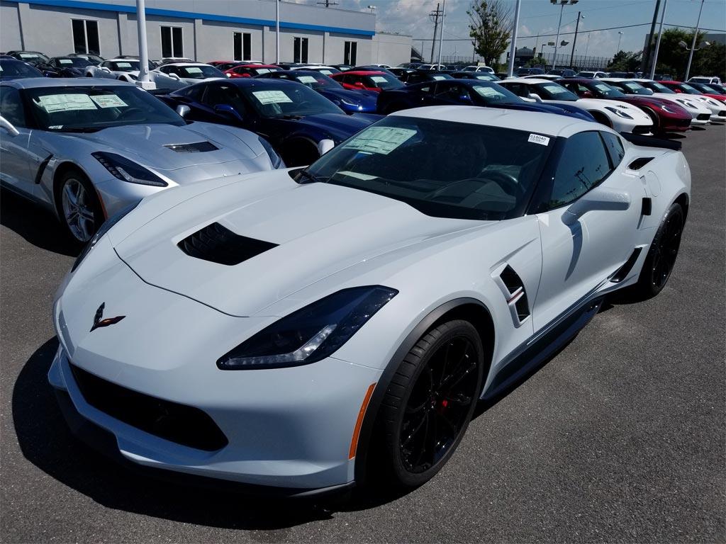 Pics New 2018 Corvette Ceramic Matrix Gray Compared To Arctic White