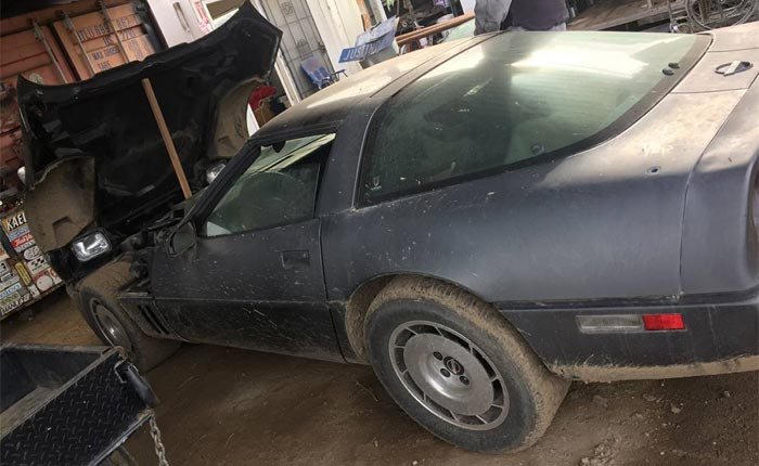 Corvettes on Craigslist: 'Barn-Find' 1984 Corvette Parked Since 2000
