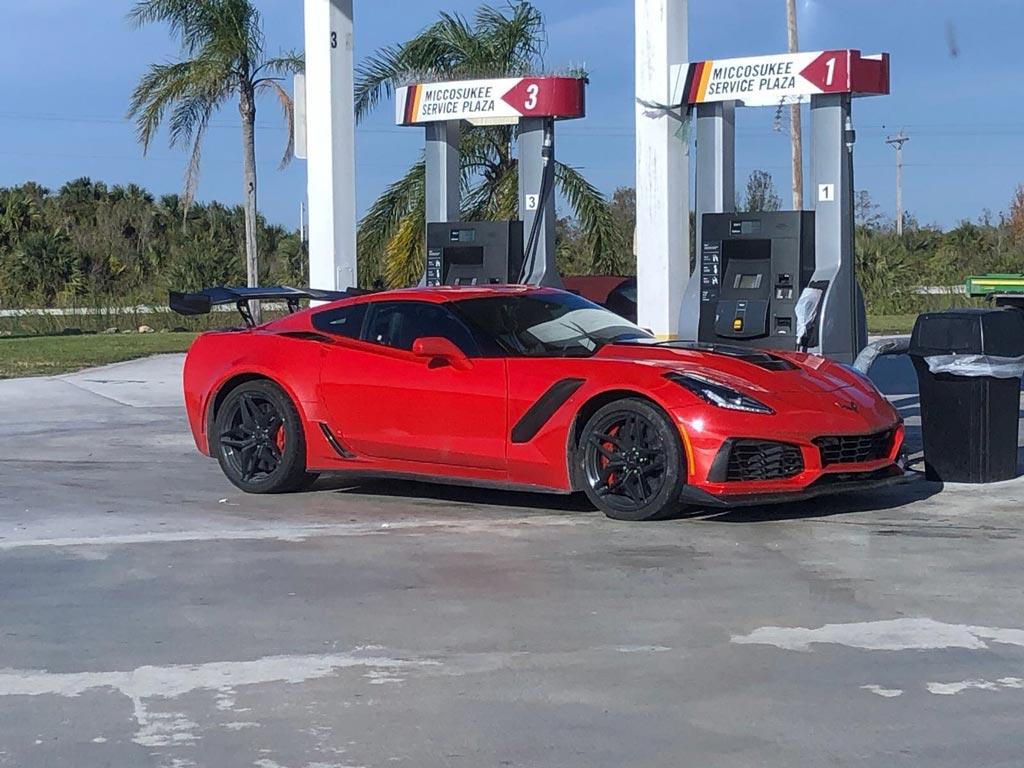pics  two 2019 corvette zr1s running south florida u0026 39 s alligator alley