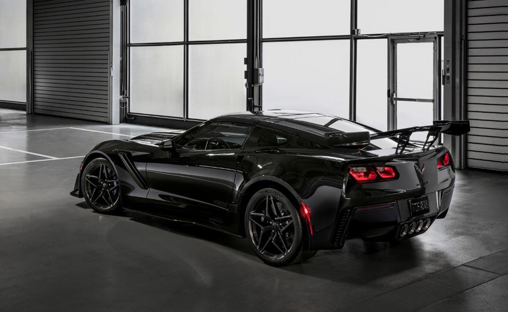 official 2019 corvette zr1 to msrp starting at 119 995 corvette sales news lifestyle. Black Bedroom Furniture Sets. Home Design Ideas