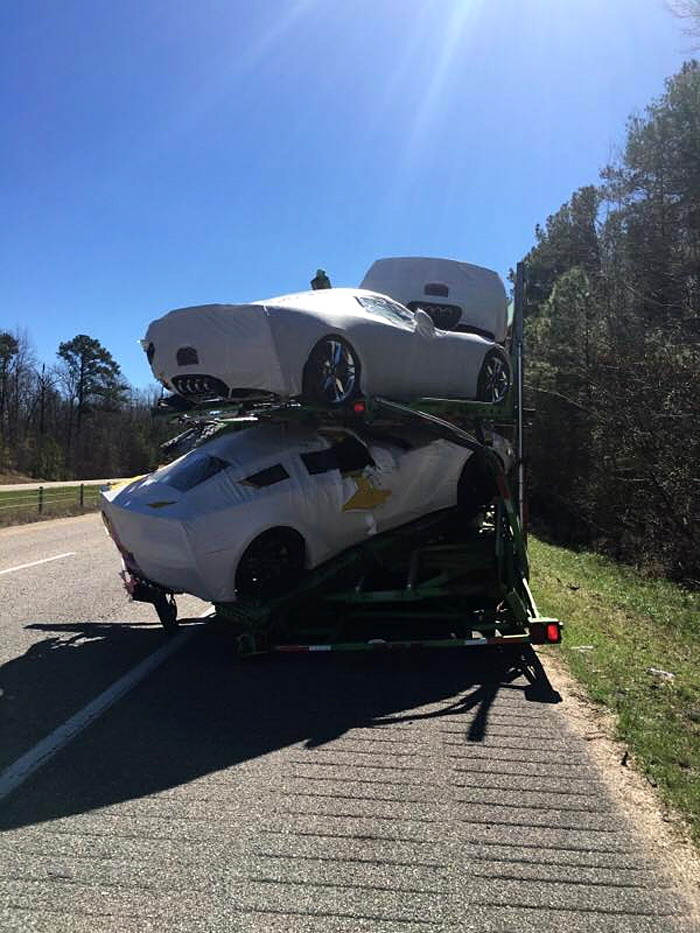 Resultado de imagen de [ACCIDENT] Brand New 2017 Corvettes Damaged in Alabama Transporter Crash