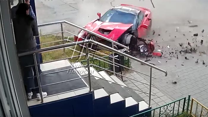 [ACCIDENT] Russian C7 Corvette Crash Caught on Video
