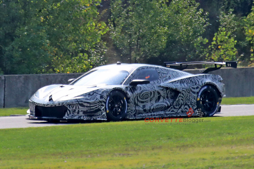 [SPIED] Spy Photos of the Mid-Engine Corvette C8.R Offers ...