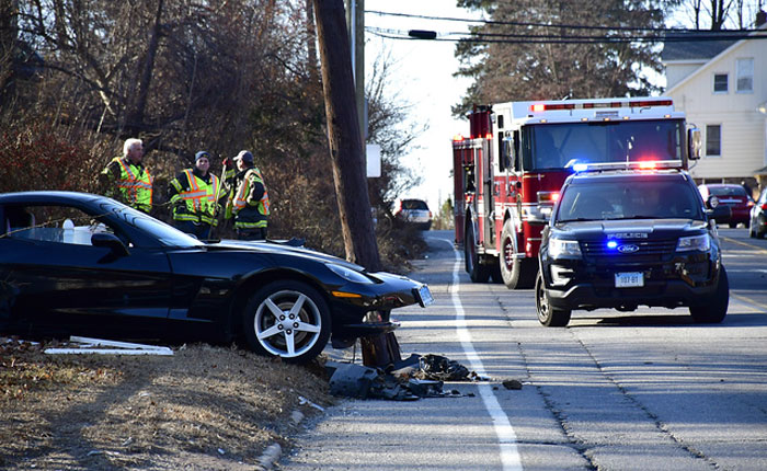 [ACCIDENT] Black C6 Corvette Hits Utility Pole in Tennessee
